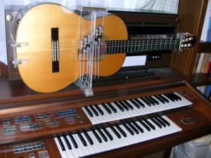ギター自動演奏装置